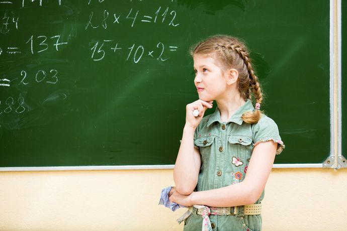 Небольшое опережение учебной программы поможет ребенку быстрее работать на уроках.
