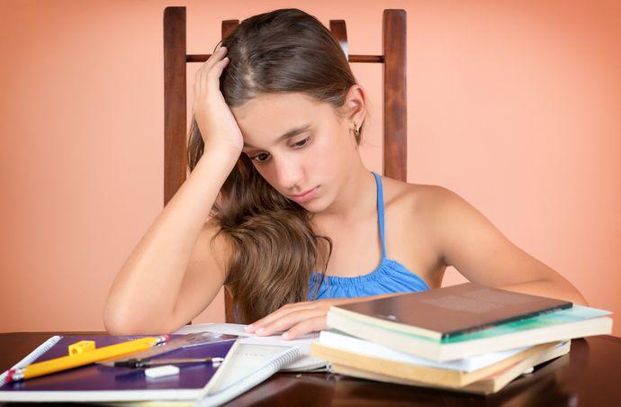 Акцентируйте внимание ребенка не на оценках, а на учебном процессе.