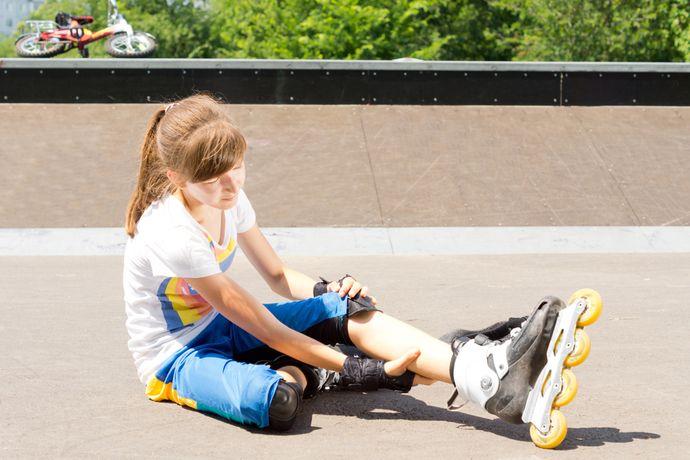 Длительные и интенсивные нагрузки на ноги вызывают спазмы икроножных мышц.