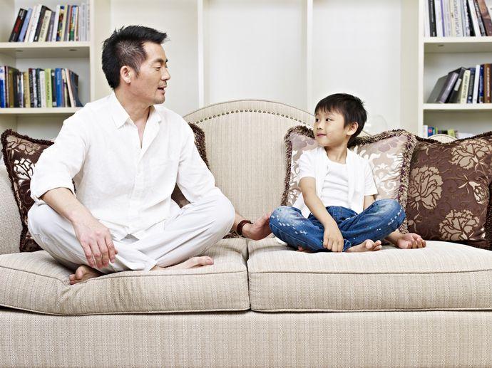 Книга Эми Чуа повествует о суровой китайской методике воспитания детей.