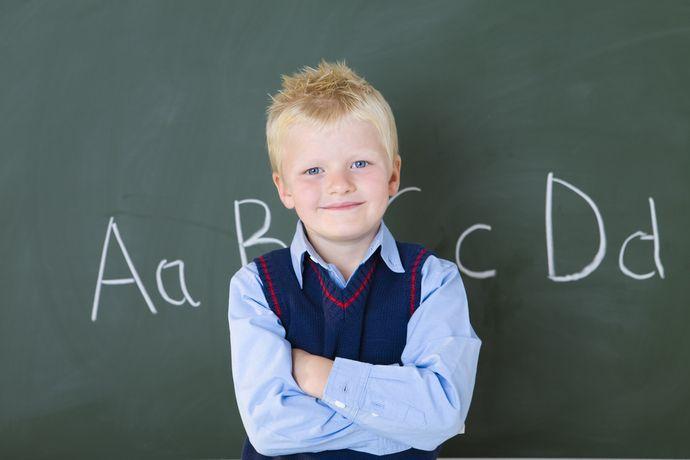 Дети перенимают модель общения с окружающими у родителей.