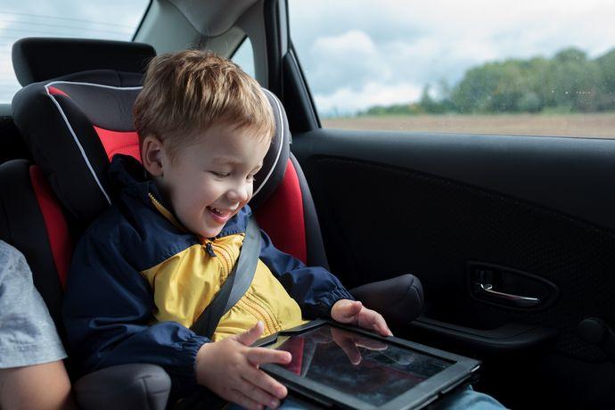 Размер и разрешение экрана – главные характеристики детского планшета.