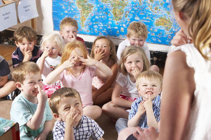 В Монтессори-группах занимаются дети от 2 до 7 лет.