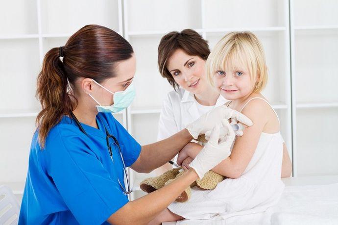100%-ная гарантия защиты есть только у вакцинированных и ранее переболевших гепатитом В